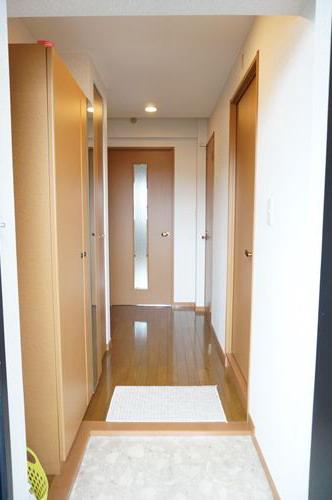 シャルム空港南 / 203号室玄関
