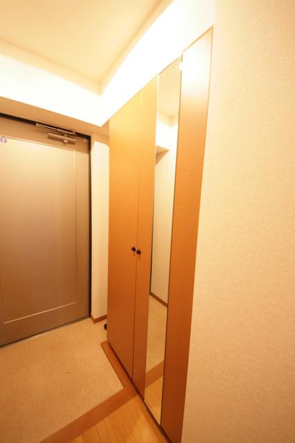 シャトレ東 / 301号室収納