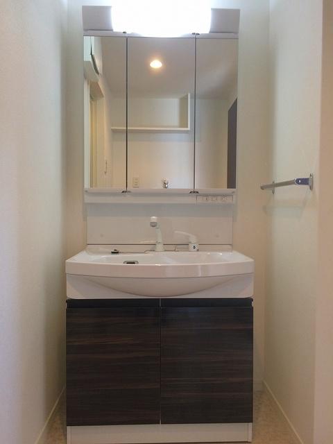 アンソレイユ / 407号室洗面所