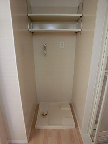 ファミリア伊都 / 401号室洗面所