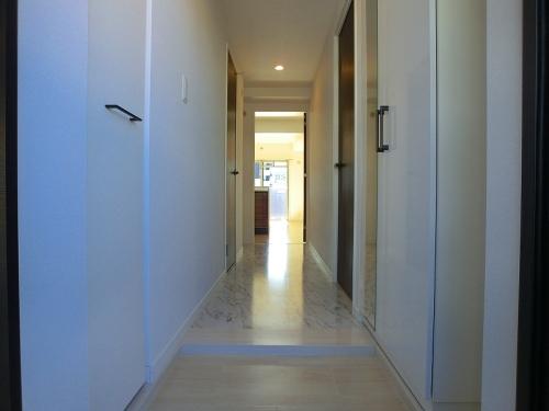 アンソレイユ / 402号室玄関