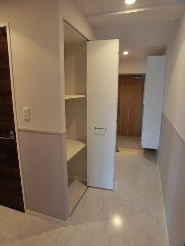 グランドルーチェ駅南 / 703号室トイレ