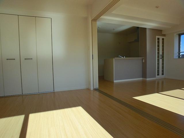 アンソレイユ / 601号室キッチン