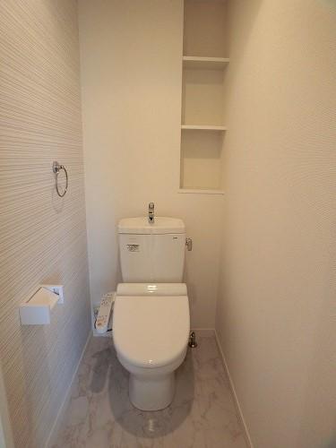 ファミリア伊都 / 403号室トイレ