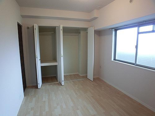 グランドルーチェ駅南 / 502号室洋室
