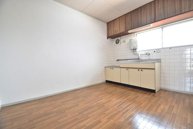 岡部アパート / 305号室リビング
