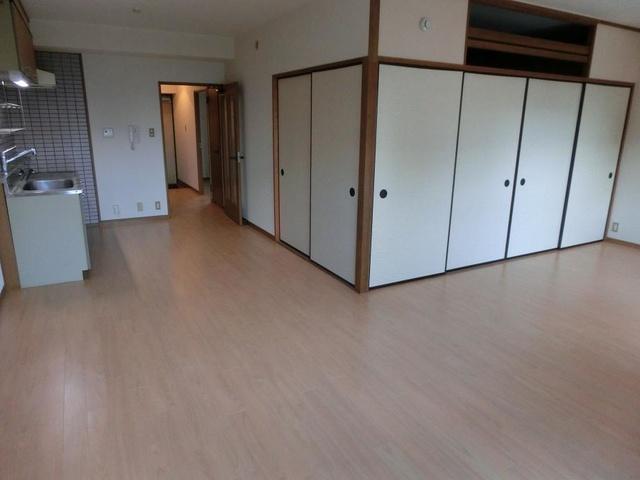 シャトレ壱番館 / 602号室リビング