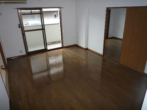 パストラル杉塚 / 302号室