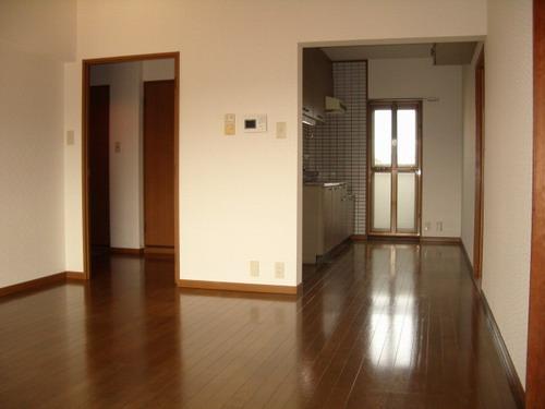パストラル杉塚 / 305号室