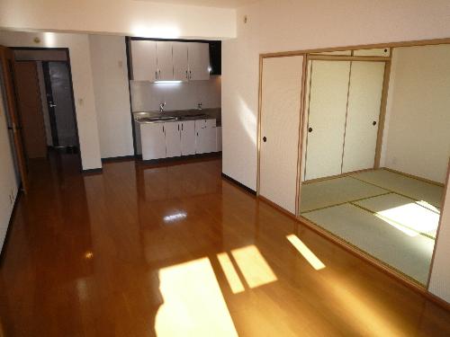 カサグランデ筑紫 / 505号室リビング