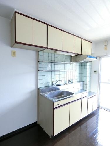 ビレッジ都府楼Ⅱ / 202号室キッチン