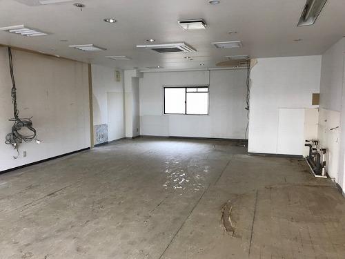プルニア都府楼(店舗) / 店舗B号室リビング