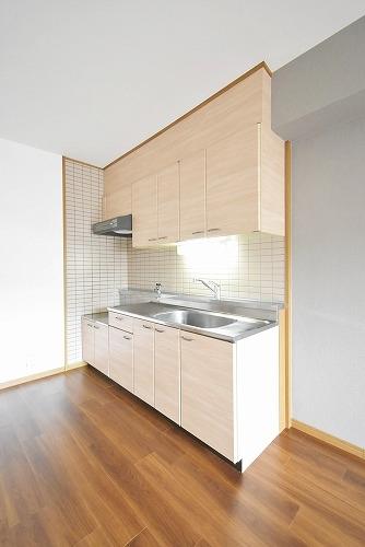 ファミーユ筑紫 / 302号室キッチン