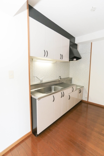フルール98 / 302号室キッチン