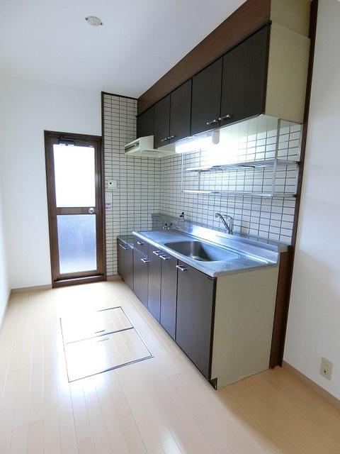 シャルマン観世Ⅲ / 101号室キッチン