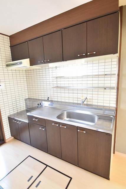 シャルマン観世Ⅲ / 103号室キッチン