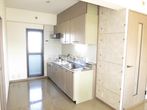 グランドゥール筑紫野 / 305号室キッチン