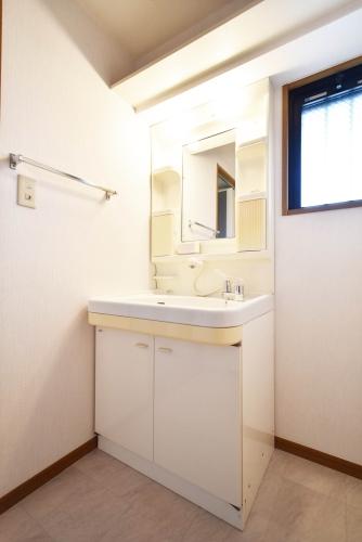 プレミール筑紫 / 602号室洗面所
