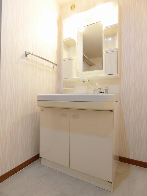 ルミエール'98 / 102号室洗面所