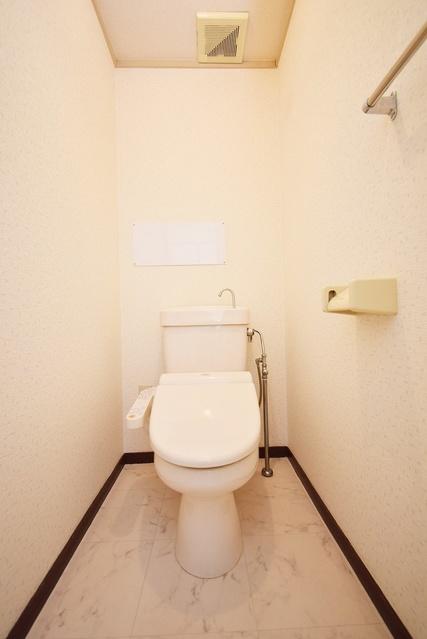 シャトレ針摺 / 402号室トイレ