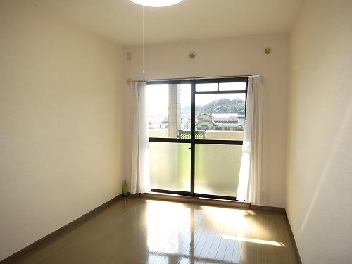 グランドゥール筑紫野 / 305号室洋室