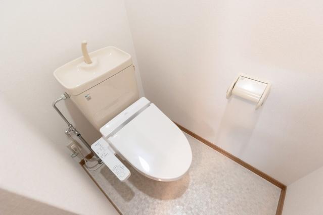 パルメゾン二日市 / 108号室トイレ