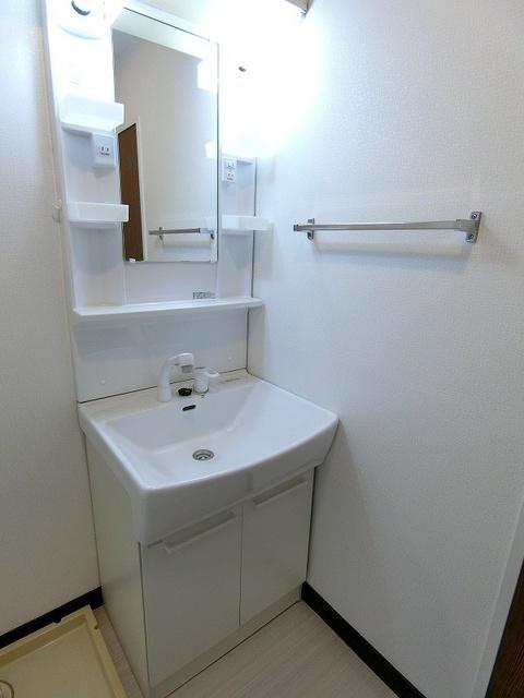 シティハイツ萩尾 / 202号室洗面所