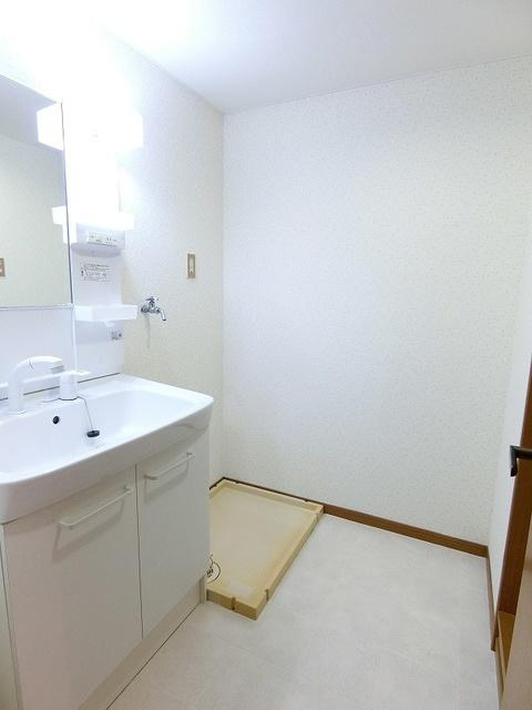 シャトレ壱番館 / 602号室洗面所