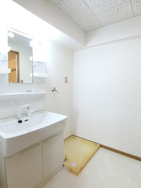 シャトレ壱番館 / 603号室洗面所