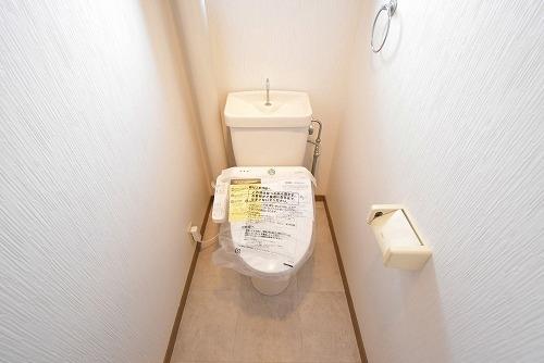 ファミーユ筑紫 / 302号室トイレ