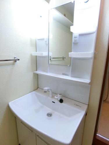 シャトレ参番館 / 103号室洗面所