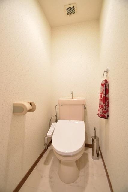 シャトレ参番館 / 301号室トイレ