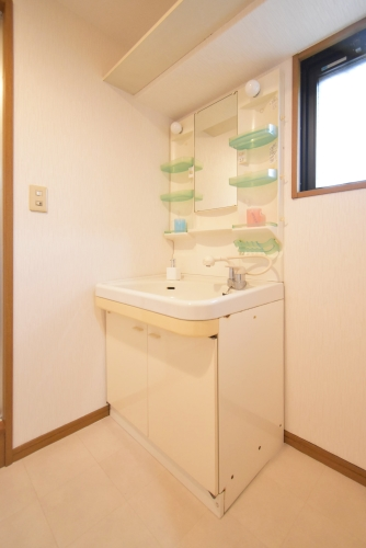 プレミール筑紫 / 202号室洗面所
