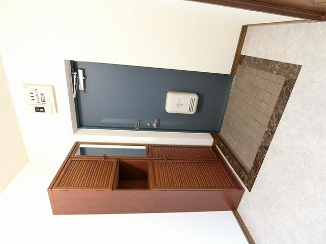 シャトー渡辺 / 303号室玄関