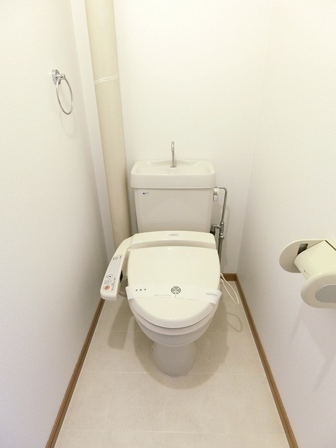 シャトレ壱番館 / 102号室トイレ