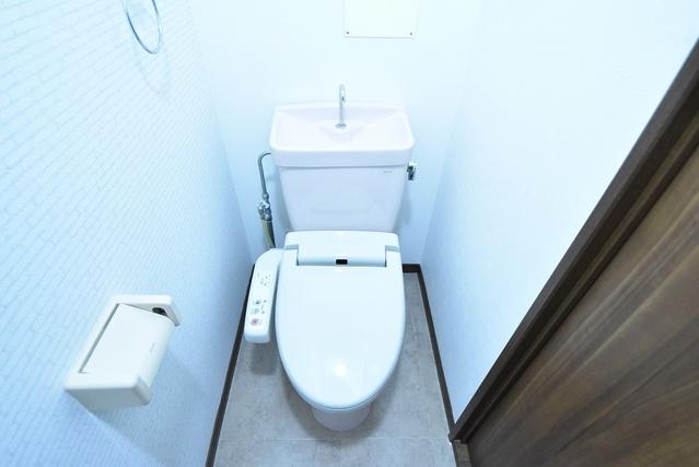 シャルマン観世Ⅲ / 103号室トイレ
