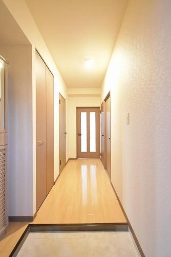 エクセレント中嶋Ⅱ / 102号室玄関