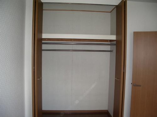 ファミーユ筑紫 / 101号室収納