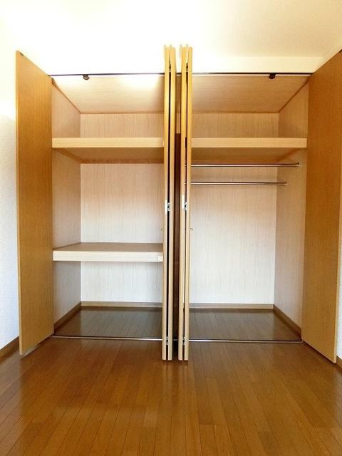 ピア観世S-N / S-206号室収納