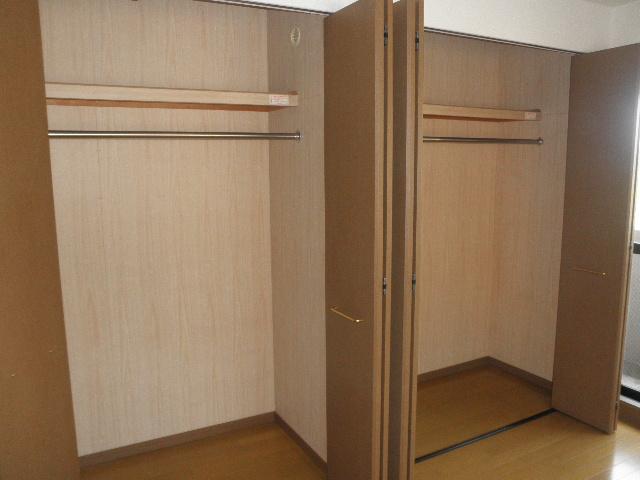 グリーンヒルズ桜台 / 2-203号室収納