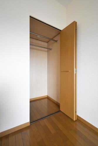 プレミール筑紫 / 202号室収納