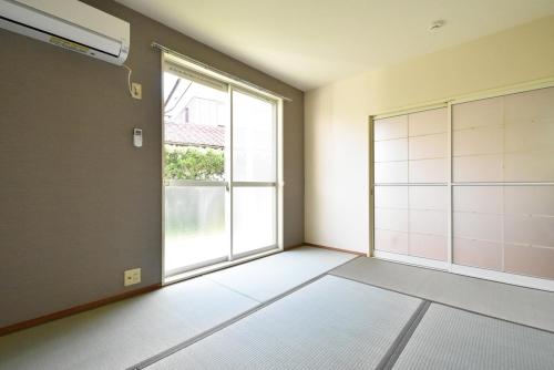 レピュートMF / 102号室和室