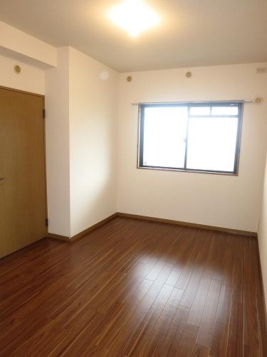 エクセレント中嶋Ⅲ / 501号室収納