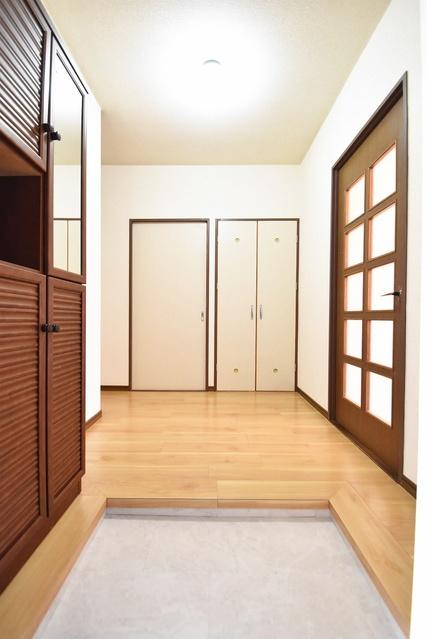 シャトー渡辺 / 401号室玄関