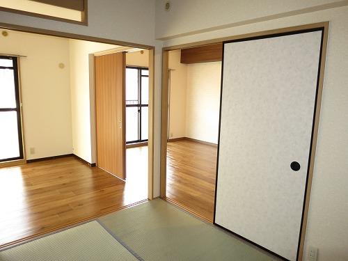 エクセレント中嶋Ⅱ / 203号室庭