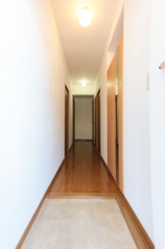 シャトレ弐番館 / 102号室玄関