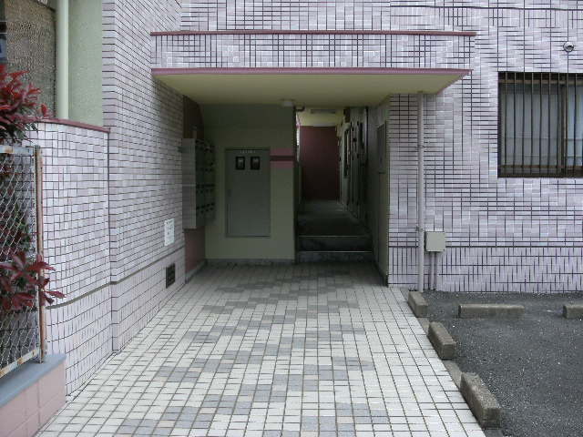 シャトレ針摺 / 205号室エントランス