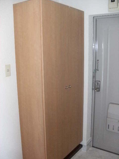 シャトレ針摺 / 302号室玄関