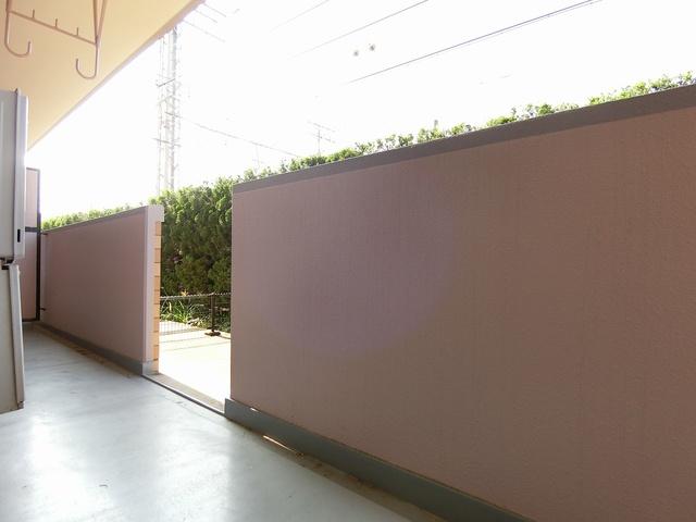 ファミーユ筑紫 / 102号室庭