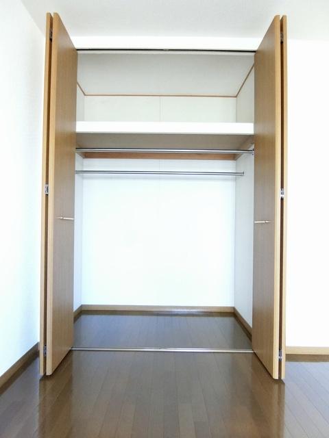 ファミーユ筑紫 / 202号室収納